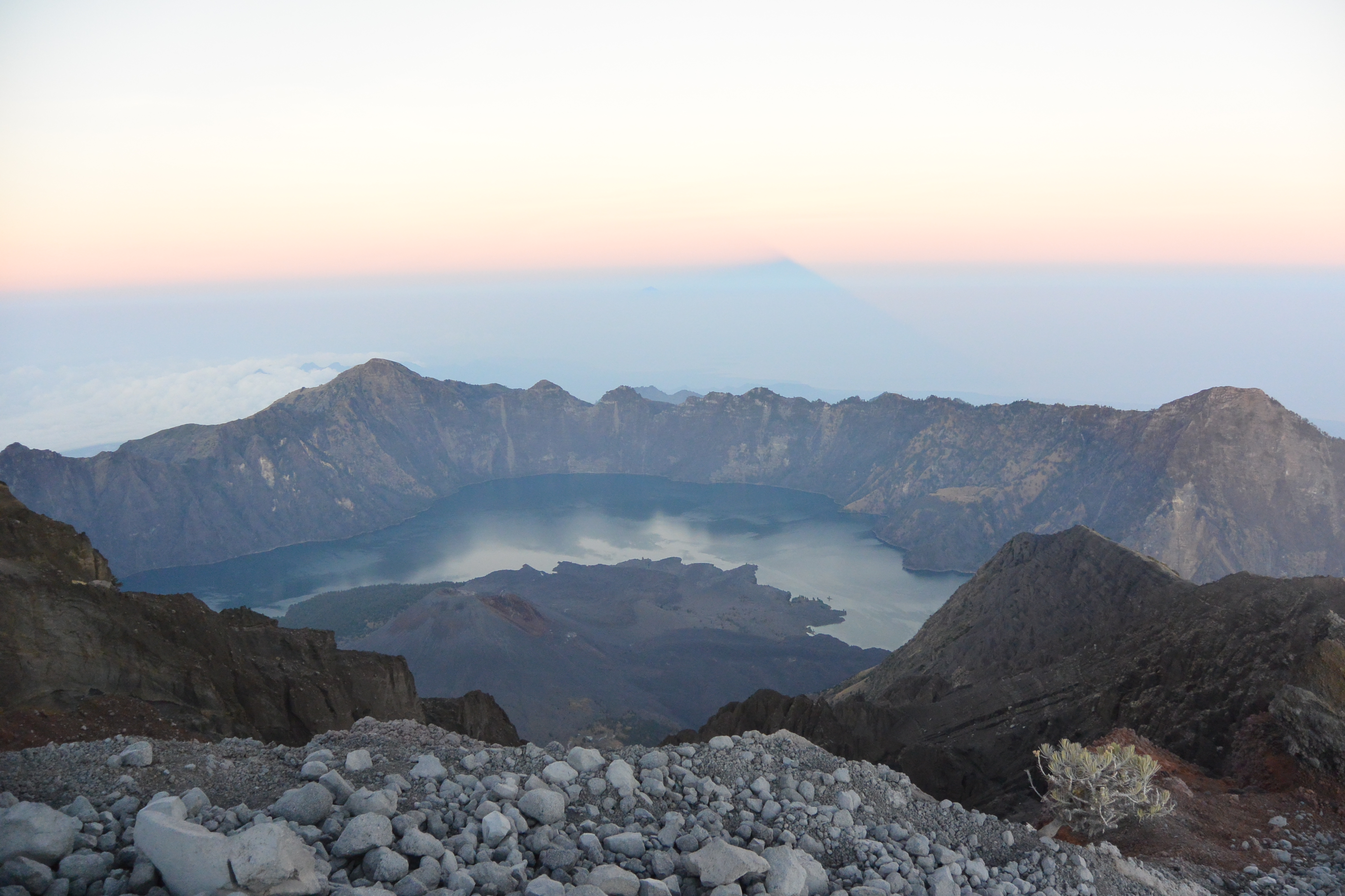 Climbing mount rinjani package lombok island indonesia about us - Jamal Told Us We Could Go If We Wanted But He Wasn T Going Up With Us One Of The Porters Would Take Us Only About 5 Of Us Decided To Make The